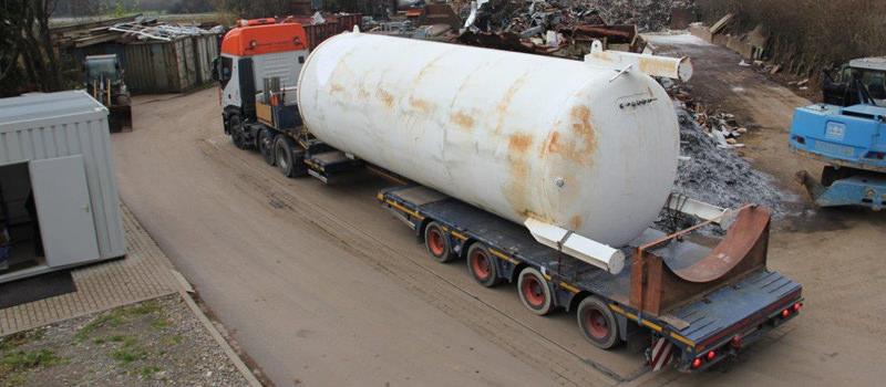Riesiger Stickstofftank fachgerecht entsorgt durch die Krisch GmbH